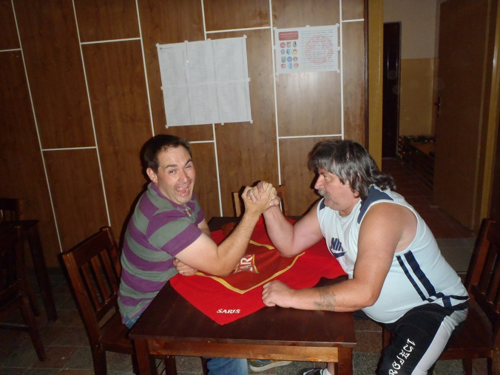 Gary arm wrestling local in Slovakia